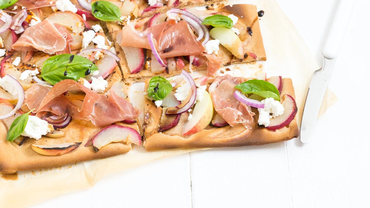 Weekendbites: snelle plaatpizza met perzik