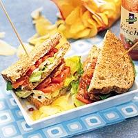 Sandwich met sla, bacon en tomaat recept