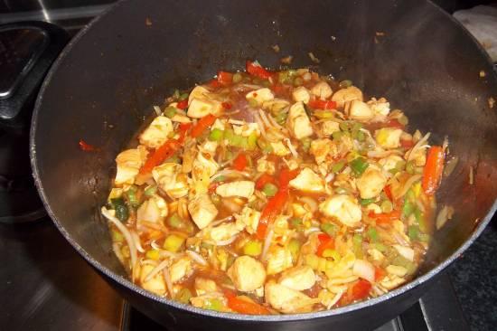 Overheerlijke kip met groenten in zoetzure saus recept