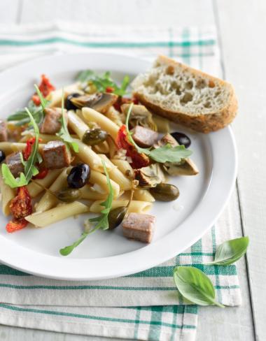 Recept 'pastasalade met tonijn, artisjok en kapperappeltjes'