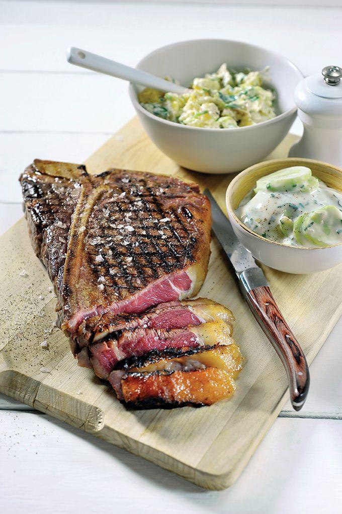 Recept 'côte à l'os op de bbq met aardappelsalade en tzatziki'
