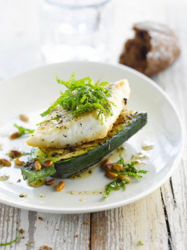 Recept 'schelvis met gegrilde courgette en chiliolie'