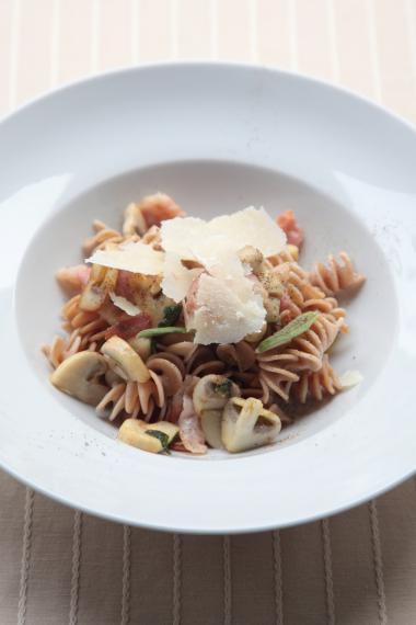 Recept 'pasta met spek en salie'