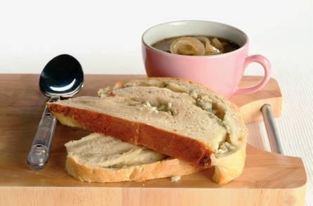 Kaasbrood met uiensoep