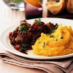 Worstjes met linzen en goudgele puree recept