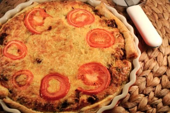 Hartige bolognese taart met gehakt, kaas en tomaat recept ...
