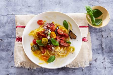 Groenterijke tagliatelle & tomaatjes