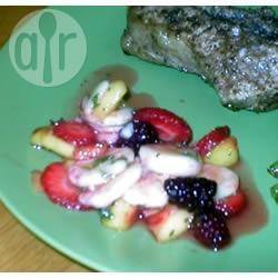 Fruitsalade met mango, koriander en limoen recept