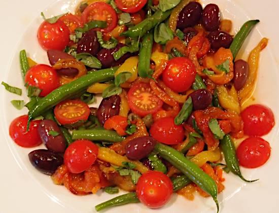 Maaltijdsalade sperziebonen, paprika, olijf, tomaat recept ...