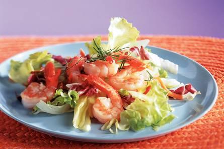 Salade met gebakken garnalen