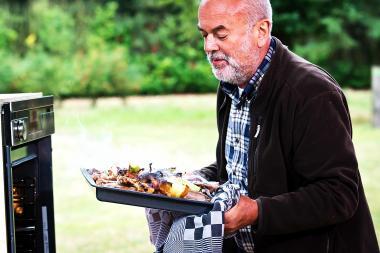 Recept 'geroosterde bosduif met kruidenbéarnaise'