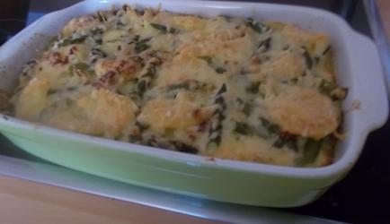 Romige ovenschotel groene asperges met aardappelschijfjes en ...