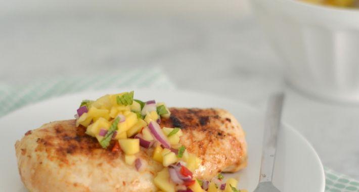 Fresh & easy: gegrilde kip met mangosalsa