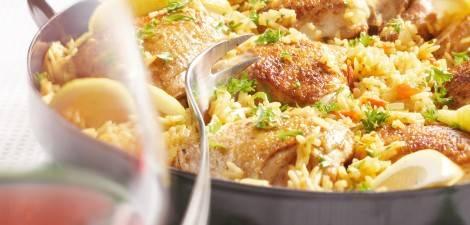 Mediterrane rijstschotel met kip recept