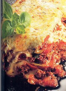 Lasagne al forno; met kaas, pijnboompitten en kruiden recept ...