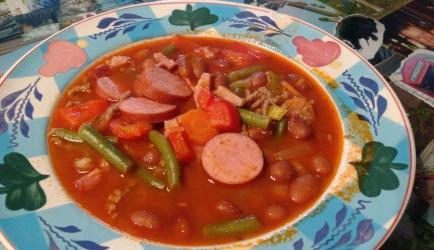 Stevig gevulde bruine bonen soep recept