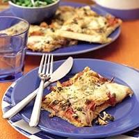 Broodpizza met tonijn en mozzarella recept