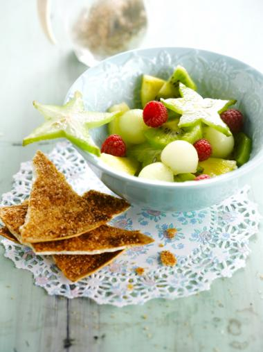 Recept 'fruitsalade met kaneelchips'
