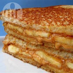 Pindakaassandwich met banaan recept