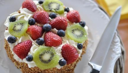 Progrestaart met aardbei, kiwi en blauwe bes recept