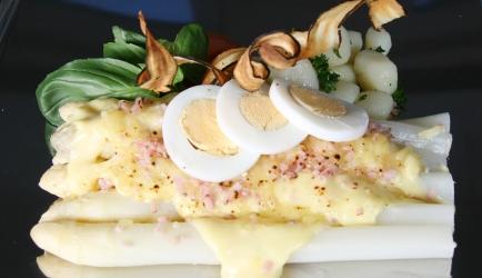 Gegratineerde asperges met ham en kaas uit de oven recept ...