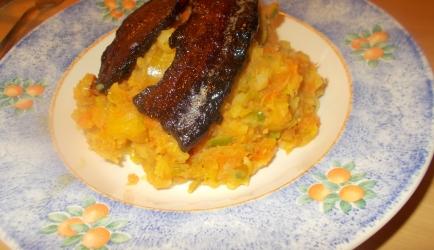 Pittig gekruide wortelstamp met indisch gekruid speklapje uit de oven