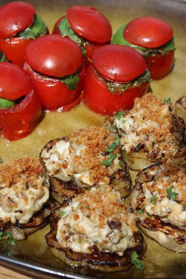 Recept 'kerstomaatjes gevuld met ratatouille en burrata'