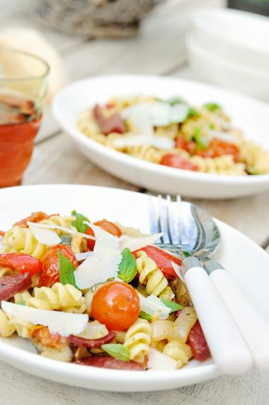 Recept 'pastasalade met geroosterde groenten'