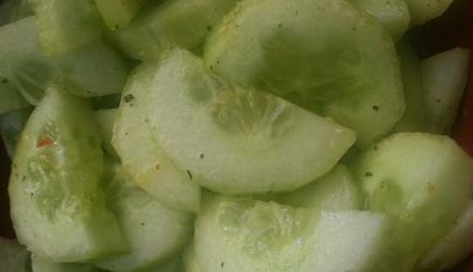 Pittige komkommer-salade recept