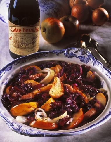 Recept 'rodekool met cider, appelen, spek en uien'