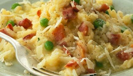 Risotto met champignons, erwten en spekjes recept ...