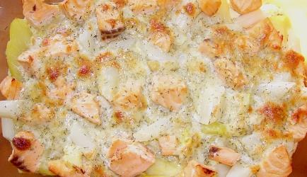 Gegratineerde witte asperges met verse zalm recept