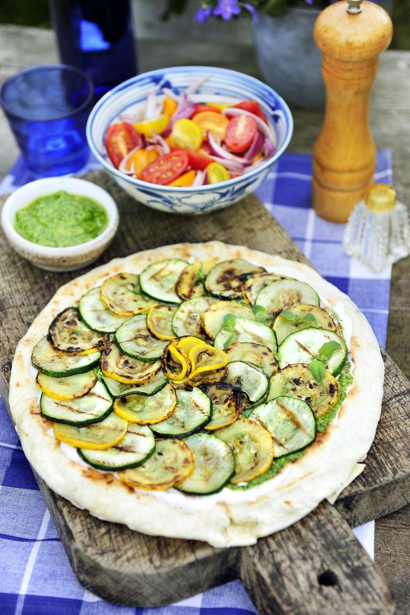 Recept 'pizza van gegrilde courgette'