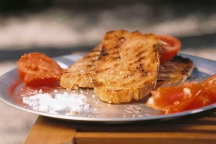 Spaans brood met tomaat en knoflook