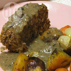 Vegetarisch gehaktbrood met champignonsaus recept