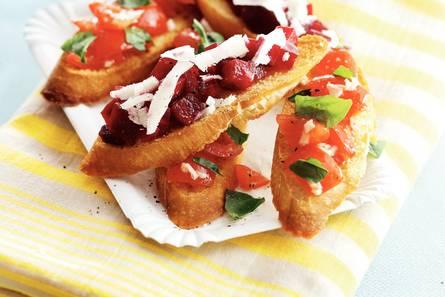 Bruschette met biet en tomaat
