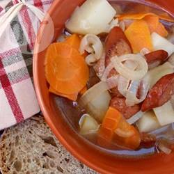 Stovie met worst en groenten recept