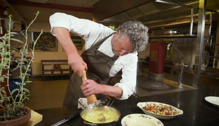 Saltimbocca van piepkuiken met smeuïge polenta recept ...