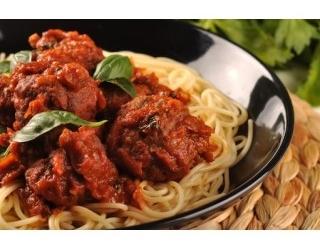 Speltpasta in tomatensaus met runderballetjes (gezond) recept ...