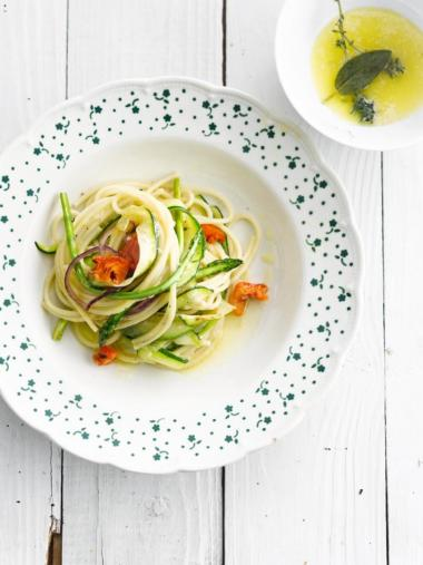 Recept 'groentepasta met zongedroogde tomaat'
