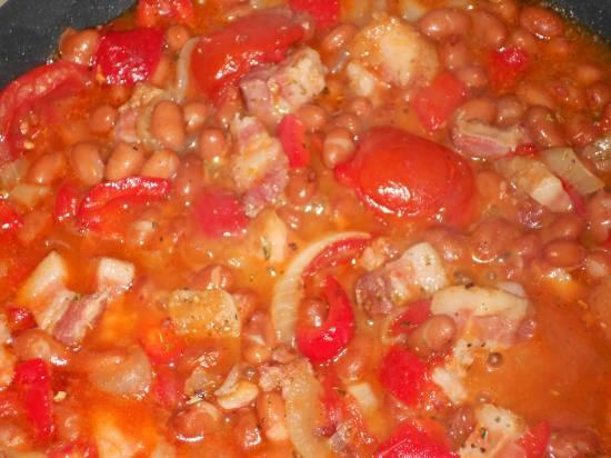 Bruine bonen schotel, paprika, ui, spek recept