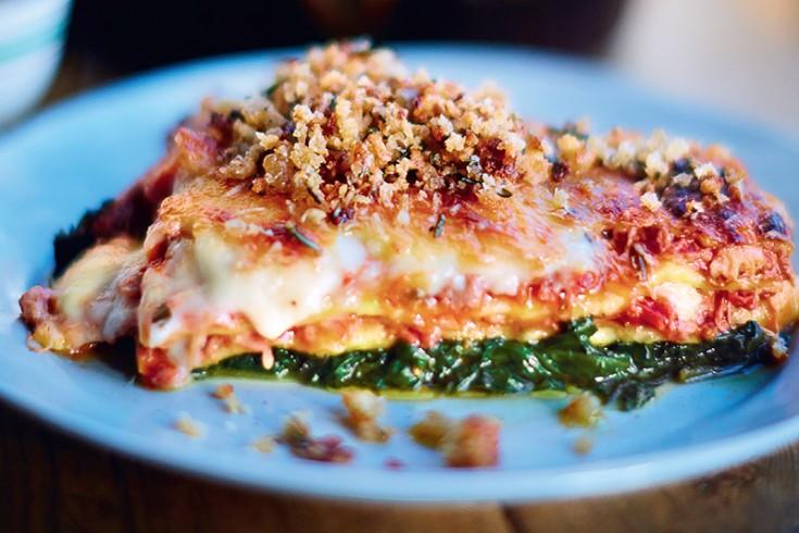 Lasagne met krokante eend van jamie oliver