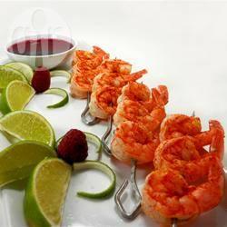 Garnalen gemarineerd in limoen en chili met frambozensaus recept ...