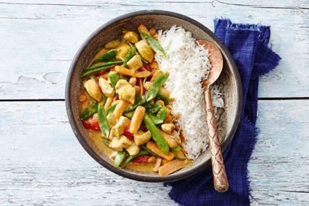 Indiase kip- en groentecurry met basmatirijst