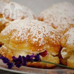 Luchtige gebakjes met een schuimvulling recept