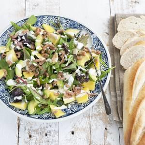 Avocadosalade met hollandse garnalen en mango recept ...