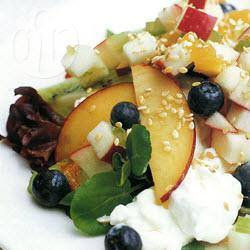Zomerse vruchten- salade met hüttenkäse recept