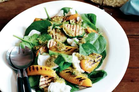 Spinaziesalade met gegrilde groenten