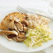 Souvlakisteaks met gebakken paddenstoelen recept