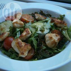 Salade met gegrilde kip en mosterd vinaigrette recept